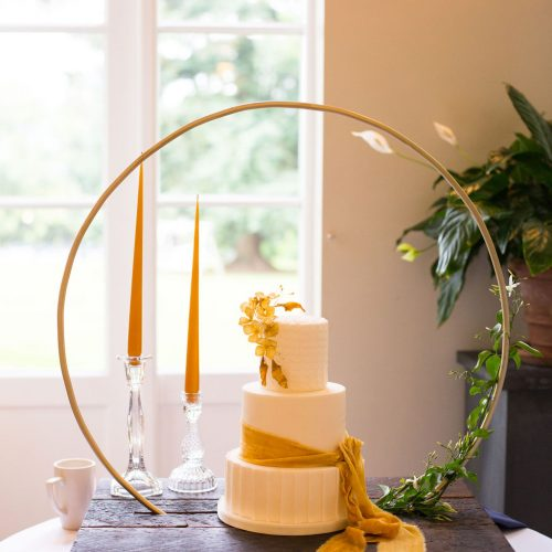 hoop-cake-stand